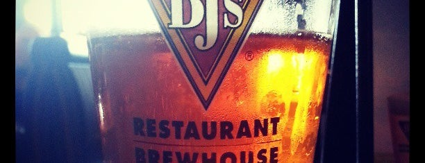 BJ's Restaurant and Brewhouse is one of Favorite Food.