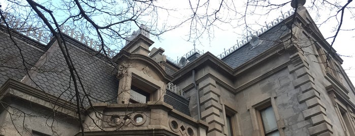 Lockwood-Mathews Mansion Museum is one of Adventures.
