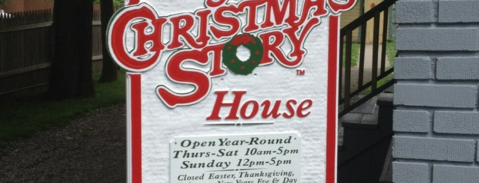 A Christmas Story House & Museum is one of CLEVELAND.