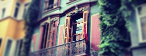 Papillon is one of Istanbul.