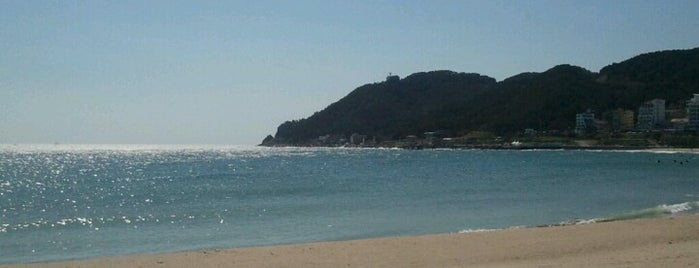 Songjeong Beach is one of 세번째, part.1.
