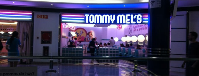Tommy Mel's is one of comidas.