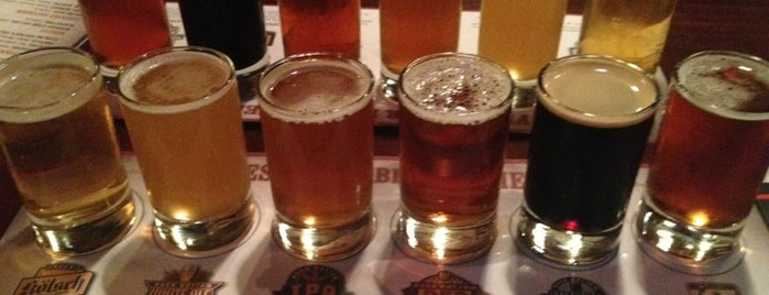 Rock Bottom Restaurant & Brewery is one of Breweries - Southern CA.