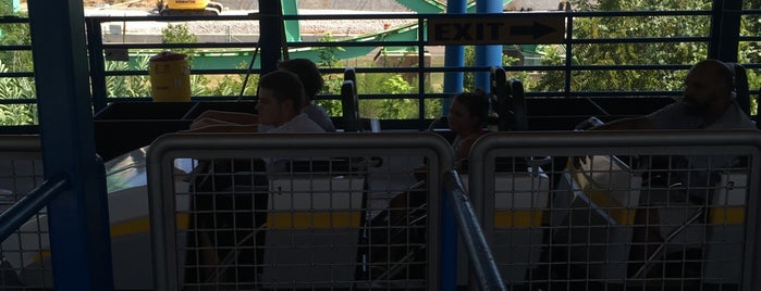 Shock Wave is one of ROLLER COASTERS.