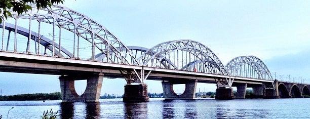 Дарницький залізничний міст is one of Мости України.