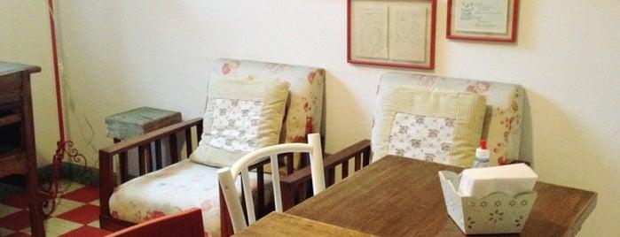 Brigadeiro Doceria & Café is one of Dicas.