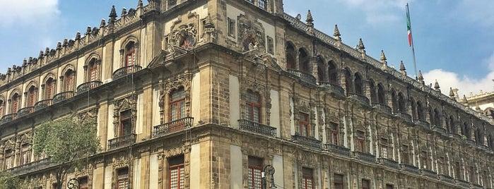 Palacio del ayuntamiento is one of 32 Museos que Rockean en el DF.