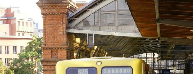 S Hackescher Markt is one of Top 40 Foursquare Bahnhöfe.