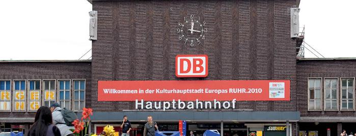 Duisburg Hauptbahnhof is one of Top 40 Foursquare Bahnhöfe.