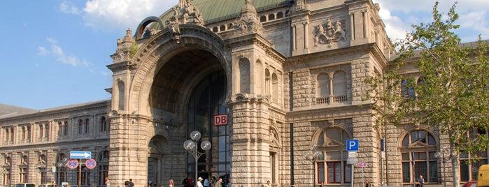 Nürnberg Hauptbahnhof is one of Top 40 Foursquare Bahnhöfe.