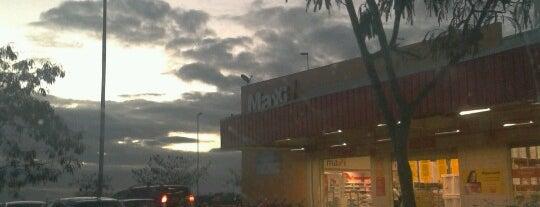 Maxxi Atacado is one of cruz das almas.
