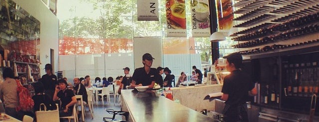 Dean & DeLuca is one of Bangkok Gastronomy.