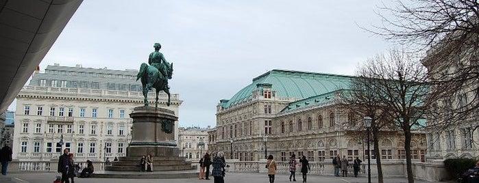 Albertina is one of Wiens Top-Museen.