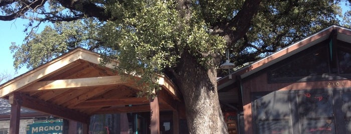 Magnolia Cafe is one of Austin 2014.
