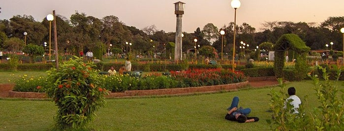 Hanging Gardens is one of Top 10 favorites places in Mumbai, India.