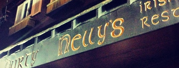 Durty Nelly's is one of SF Bars.
