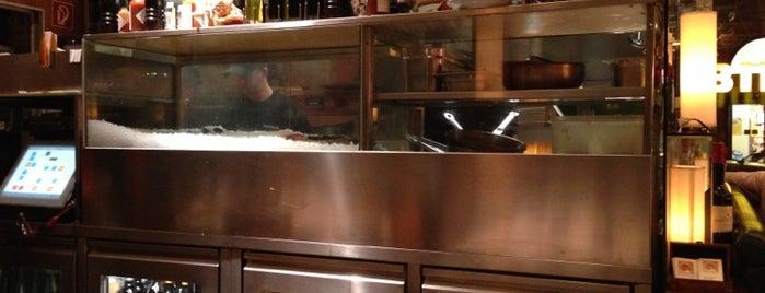 Nautilus Fischrestaurant is one of Vienna.
