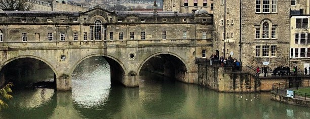 Pulteney Bridge is one of England 1991.