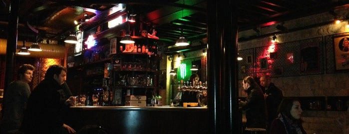 Les Furieux is one of Bars / Pubs.