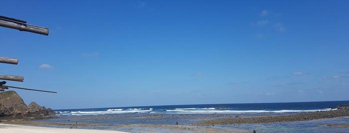 Pantai Mandalika (Kuta) is one of All-time favorites in Indonesia.