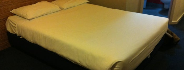 Travelodge Heathrow Central is one of My favorite places :).