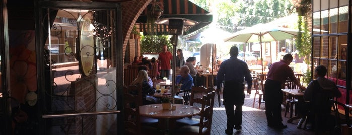 El Portal Restaurant is one of Places to check -in to.