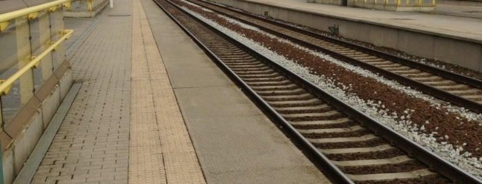 Station Antwerpen-Luchtbal is one of Bijna alle treinstations in Vlaanderen.