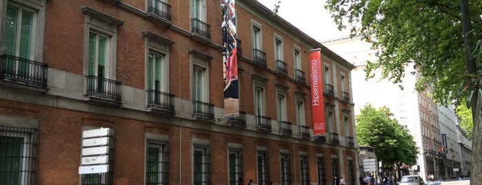 Museo Thyssen-Bornemisza is one of Funky Madrid.