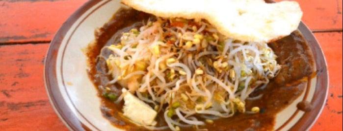 Tipat Tahu Gerenceng is one of Best Streetfood in Bali.