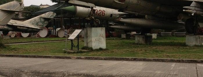 Bảo Tàng Phòng Không Không Quân (Air Force Museum) is one of Địa điểm phải tới khi ở Hà Nội.