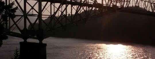 Bridge of the Gods is one of Heading to Hood River.