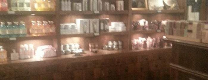 Sabon is one of Things Frank Sinatra Would Do In Chicago.