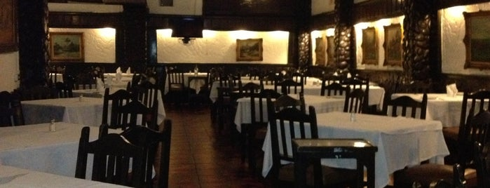 Shorthorn Grill is one of Lugares Conocidos Caracas.