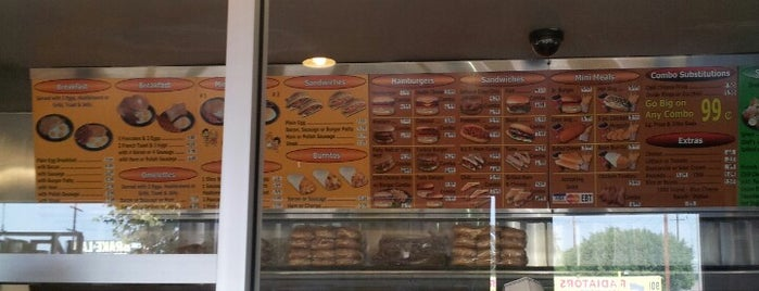Must visit food in los angeles for Popeyes louisiana kitchen austin tx