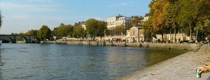 Voie Georges Pompidou is one of Paris, FR.