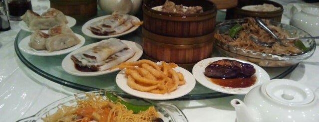 Rol San Restaurant 龍笙棧 is one of Restos to try.