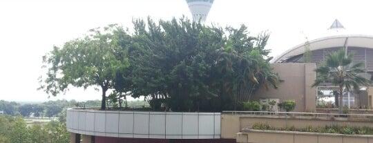 Kuala Lumpur International Airport (KUL) is one of malezya.