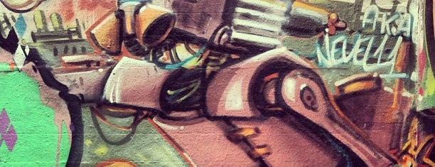 Brückenkopf Kastel Graffiti Hall Of Fame is one of Mainz♡Wiesbaden.