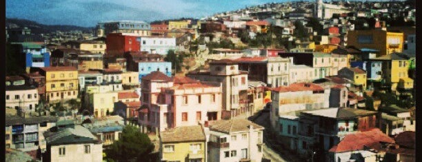 Valparaíso is one of cities.