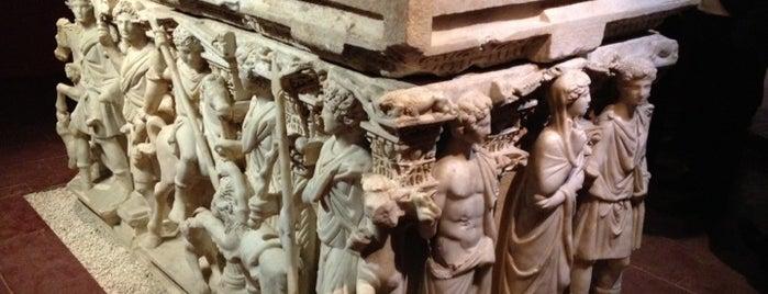 Arkeoloji Müzesi is one of my favorites.