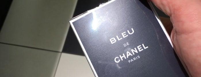 Sephora is one of à Paris.