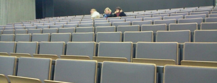 Aula A4 is one of school.