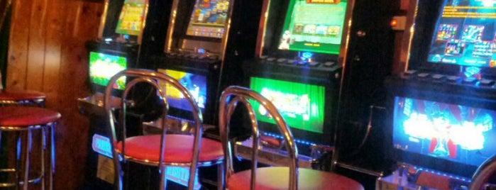 Meteora Bar is one of Locali dove bere..