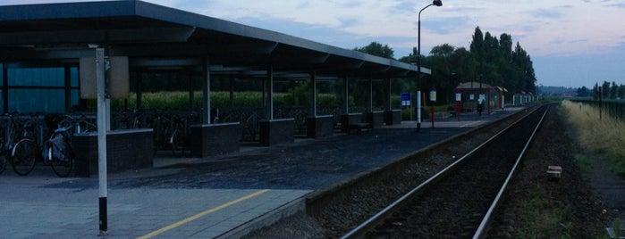 Eke-Nazareth Railway Station is one of Bijna alle treinstations in Vlaanderen.