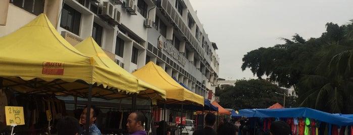 Pasar Malam Taman Maluri (Sunday) is one of Yeh's Fav Pasar Malam ^o^.
