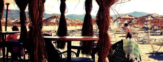 Blueside İnca Beach is one of doğallık..