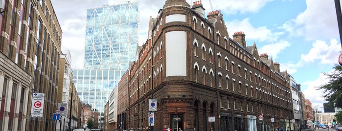 Spitalfields is one of Summer in London/été à Londres.