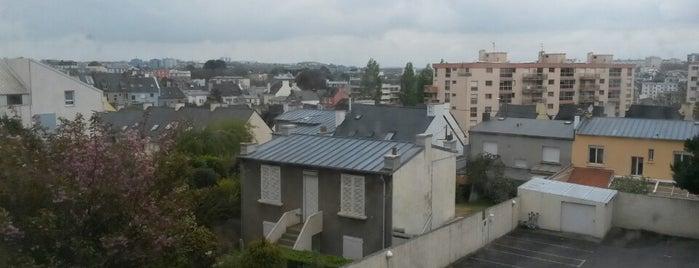 Hotel Center Brest is one of Hoteles en que he estado.