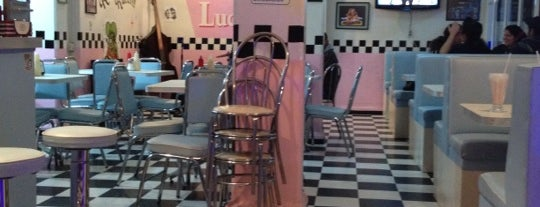 Lucy's Diner is one of Restaurantes.