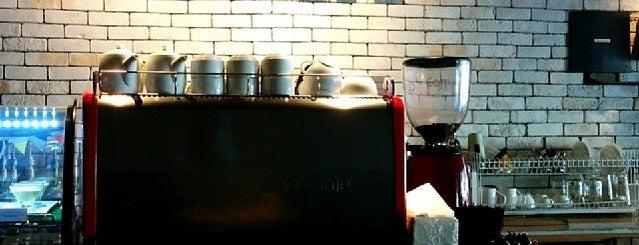 LIMA is one of Cafe @Jakarta.